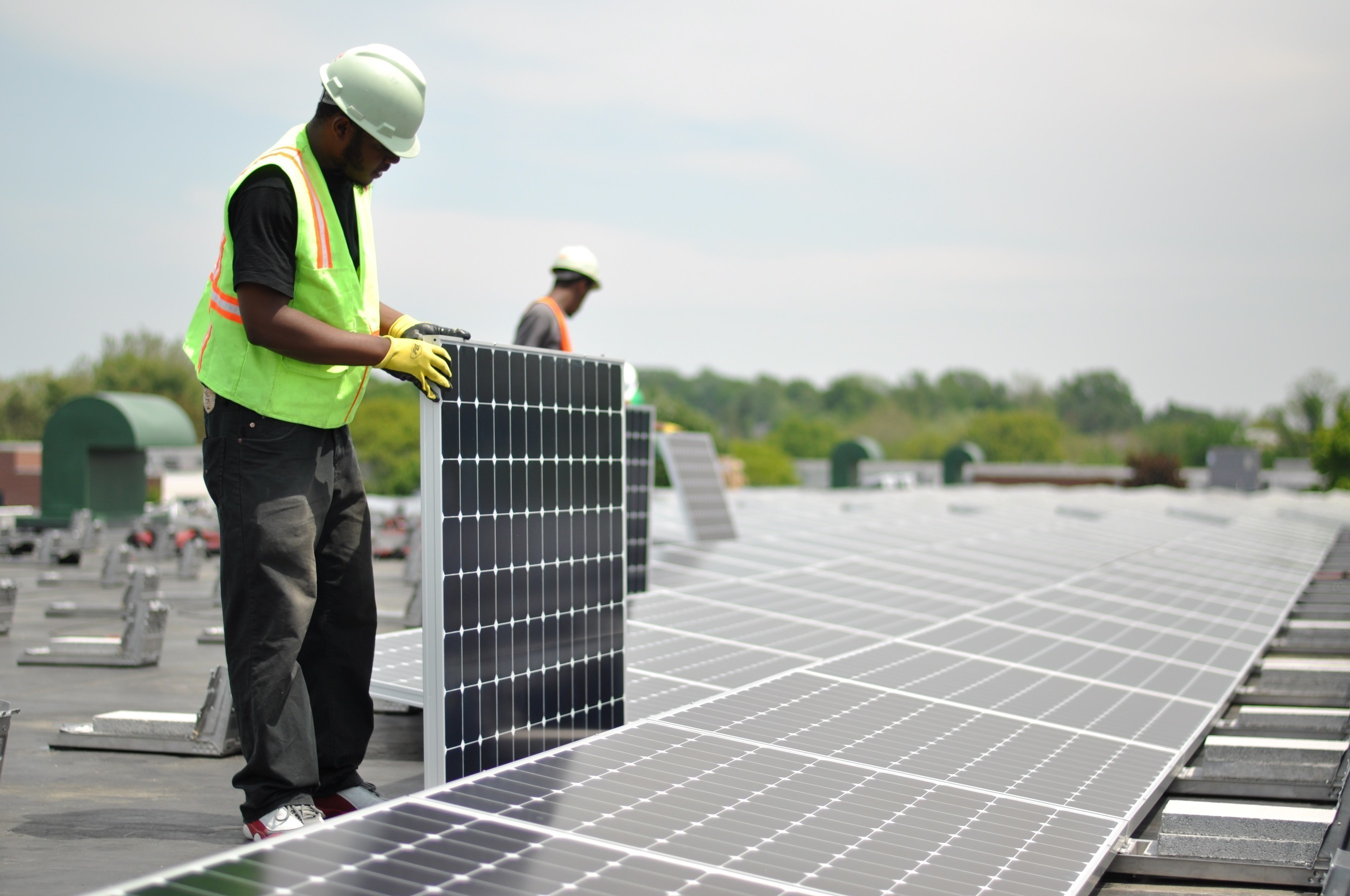 American Reading Co. is the recipient of the first SunPower Helix system installed by a SunPower dealer. The 315kW system is expected to save about $2 million over 25 years.
