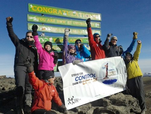 An International Team with Type 1 Diabetes reached the summit of the Kilimanjaro. The World Diabetes Tour association, in partnership with Sanofi, showed that when people with diabetes strive for good control, they can achieve extraordinary goals. Learn more www.epresspack.net/t1diabetes-kilimanjaro-expedition (PRNewsFoto/Sanofi Diabetes)