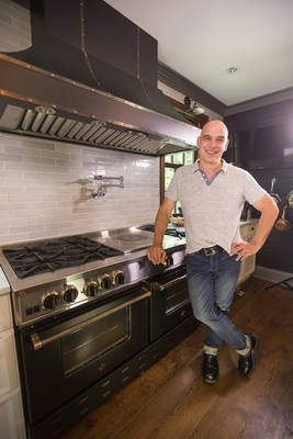 "Chef Michael Symon Turns Up the Heat in New Instructional Cooking Videos from Best-Selling 5-in-5 Cookbook.  Symon, an award-winning chef, restaurateur and television personality, shares favorite recipes in simple ""how-to"" videos that show how to cook like a pro at home with a BlueStar Range (PRNewsFoto/BlueStar(R))"