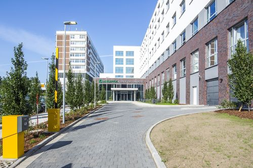 "Copper against germs âeuro"" At Asklepios Klinikum Hamburg- Harburg 600 solid copper door handles have been ..."
