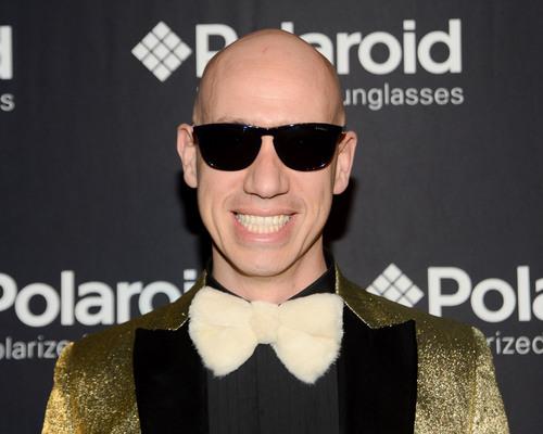 Celebrity stylist Robert Verdi in the new Polaroid Plus 0102 sunglasses.  (PRNewsFoto/Polaroid Eyewear)