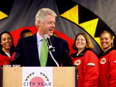 President Bill Clinton to Accept Legacy Award at City Year's 25th Anniversary Gala on May 22.  (PRNewsFoto/City Year)