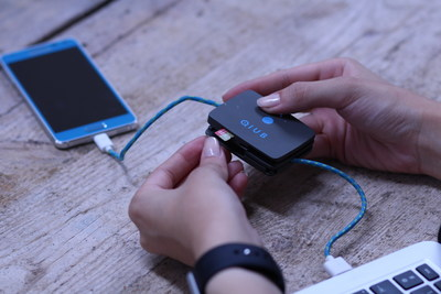 Simply plug your QIUB into your phone and power source to start charging your phone. When your smartphone is fully charged, QIUB will redirect the charge to its own internal battery.