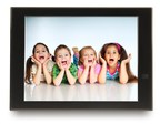 The new 15-inch FotoConnect XD Wi-Fi enabled Digital Picture Frame (PRNewsFoto/Pix-Star)