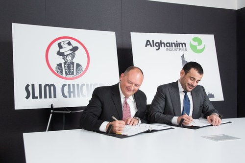 Tom Gordon and Omar Alghanim signing the contract (PRNewsFoto/Alghanim Industries)