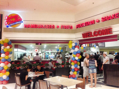 First Brazilian Johnny Rockets restaurant, in Guarulhos.  (PRNewsFoto/Johnny Rockets)