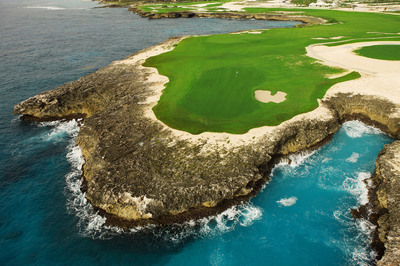 PUNTACANA Resort & Club's award-winning Corales Golf Course.  (PRNewsFoto/Dominican Republic Ministry of Tourism)