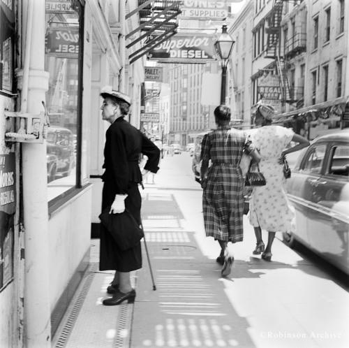 Window Shopper Photograph by Jack Robinson.  (PRNewsFoto/Starwood Hotels & Resorts Worldwide, Inc., Jack Robinson)