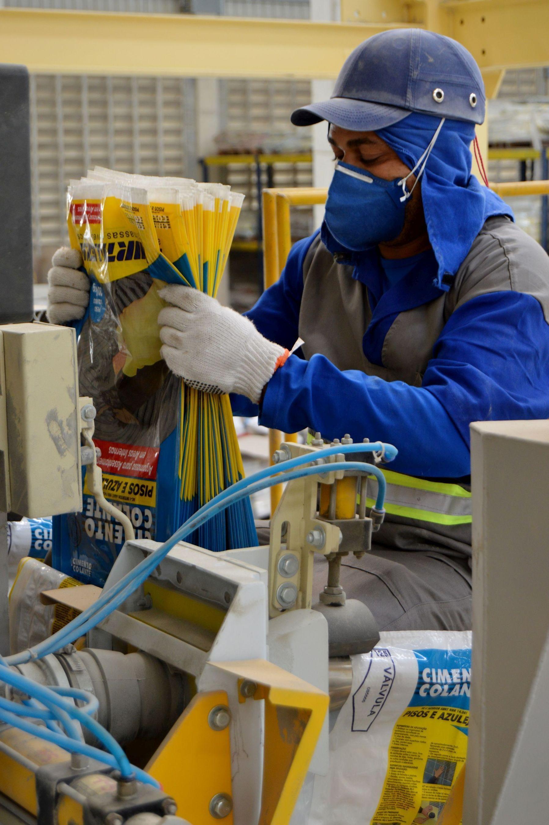 Production at Bostik's new powder manufacturing plant at Queimados in Brazil (PRNewsFoto/Bostik)