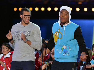 Colin Kaepernick and Cam Newton co-host Cartoon Network's 2014 Hall of Game Awards.  (PRNewsFoto/Cartoon Network)