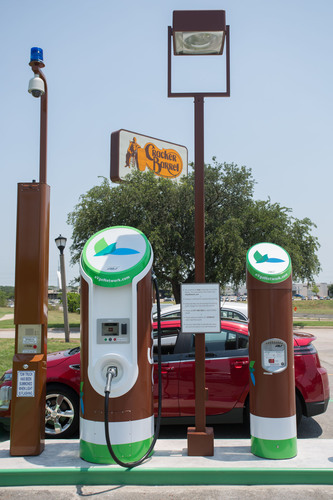 eVgo Freedom Station at Cracker Barrel Old Country Store in Mesquite, Texas.  (PRNewsFoto/Cracker Barrel Old ...