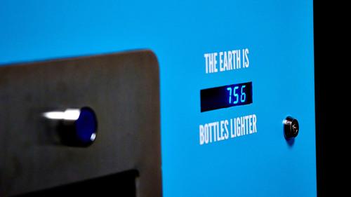 Waterfillz (R) Wave Refill Station Counter.  (PRNewsFoto/WaterFillz)