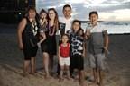 English - Larry Hernandez and his family in Hawaii - #Larrymania Season 4 finale September 20 at 9pmET/PT.  Spanish - Larry Hernandez con su familia en Hawai - Final de la 4ta temporada de #Larrymania este domingo 20 de septiembre a las 9pmET/PT