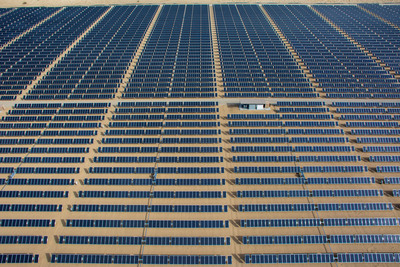 24 MW DC Cascade Solar Plant Constructed by SunEdison located in California Desert, Largest plant interconnected to date under California RAM program. Financing provided by Wells Fargo, SDG&E to purchase electricity generated.  (PRNewsFoto/SunEdison, Inc.)