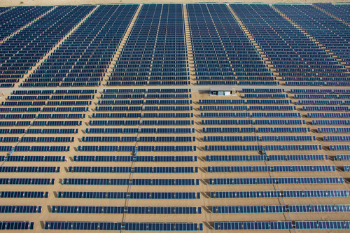 24 MW DC Cascade Solar Plant Constructed by SunEdison located in California Desert, Largest plant ...