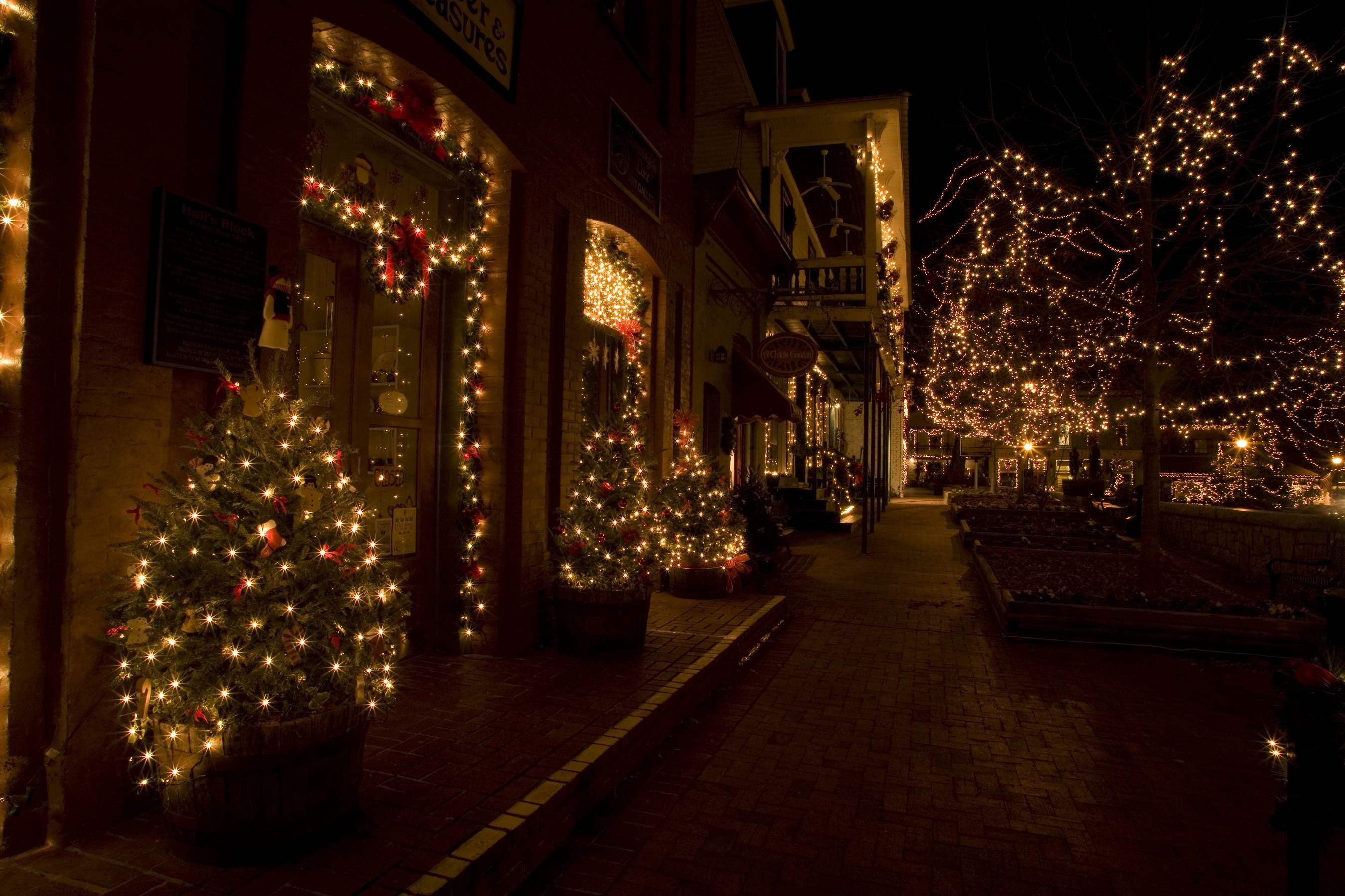 Christmas Town In Georgia Dahlonega.Dahlonega Named A Top Small Town By Architectural Digest