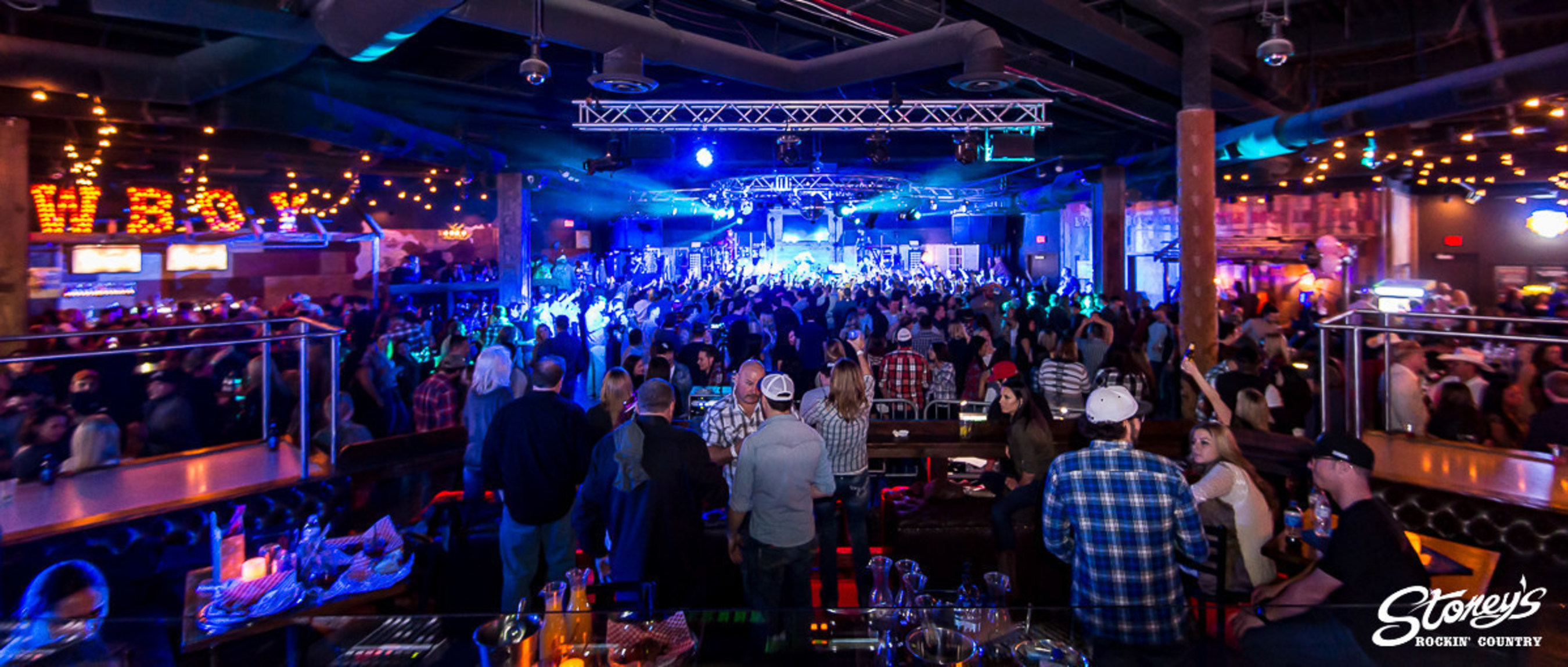 Packed dance floor at Stoney's Rockin' Country