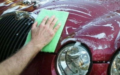 The Love Bug Eraser totally cleans vehicles without harsh chemicals or detergents.   (PRNewsFoto/Awesome Products Corp.)