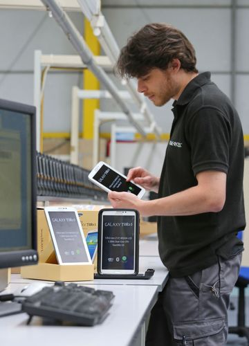 Organisations trying to manage mixed estates of industrial mobile devices and BYOD users benefit from outsourcing to a single managed service from Peak-Ryzex (PRNewsFoto/Peak-Ryzex)