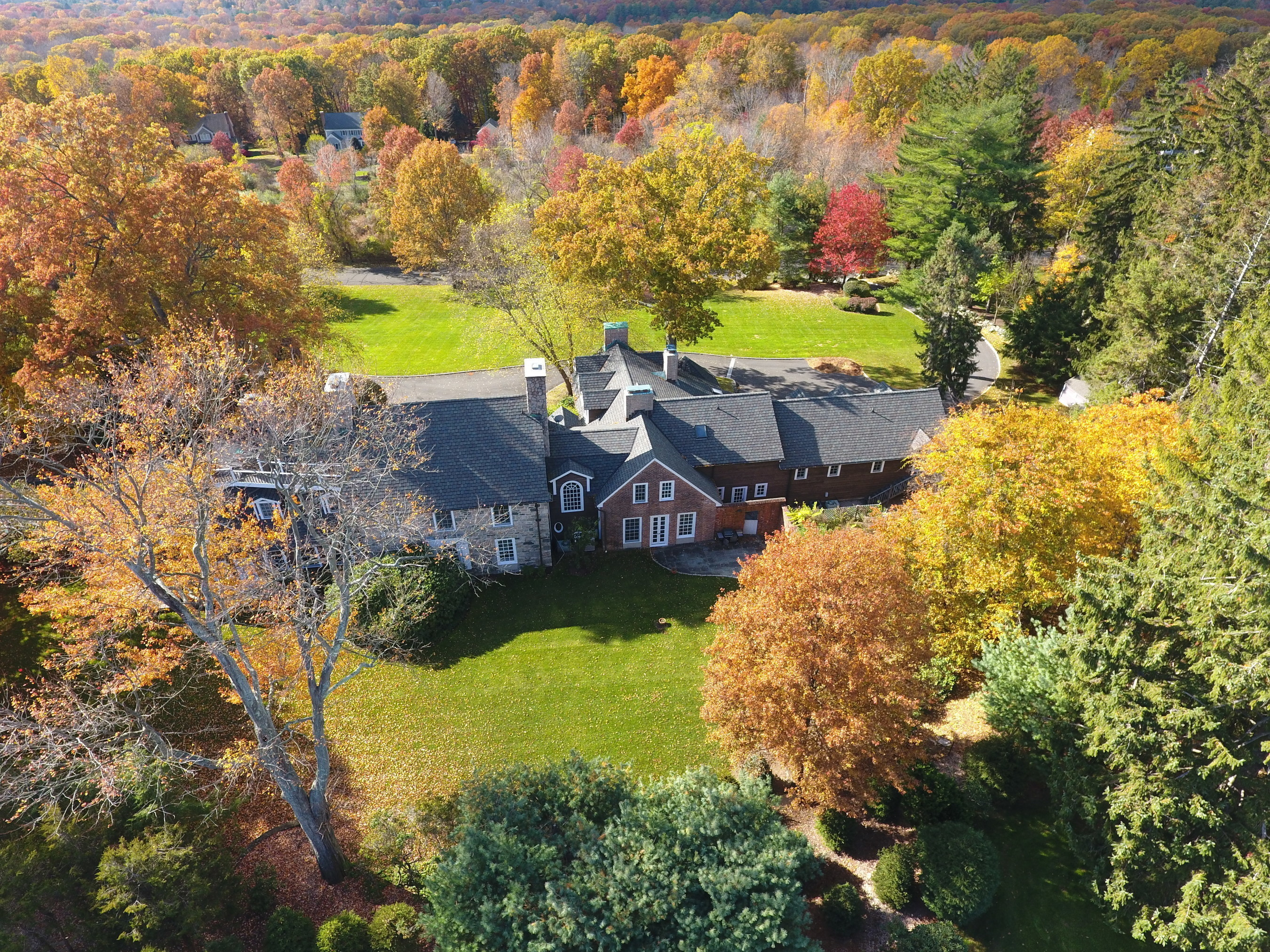 Aerial of N. Stamford Home to be Auctioned Dec 17