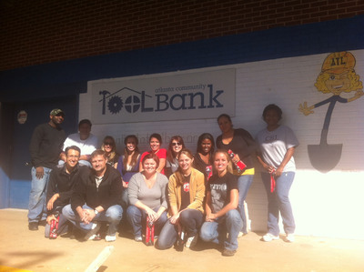 Incentive Solutions Employees at Atlanta Community Tool Bank.  (PRNewsFoto/Incentive Solutions)