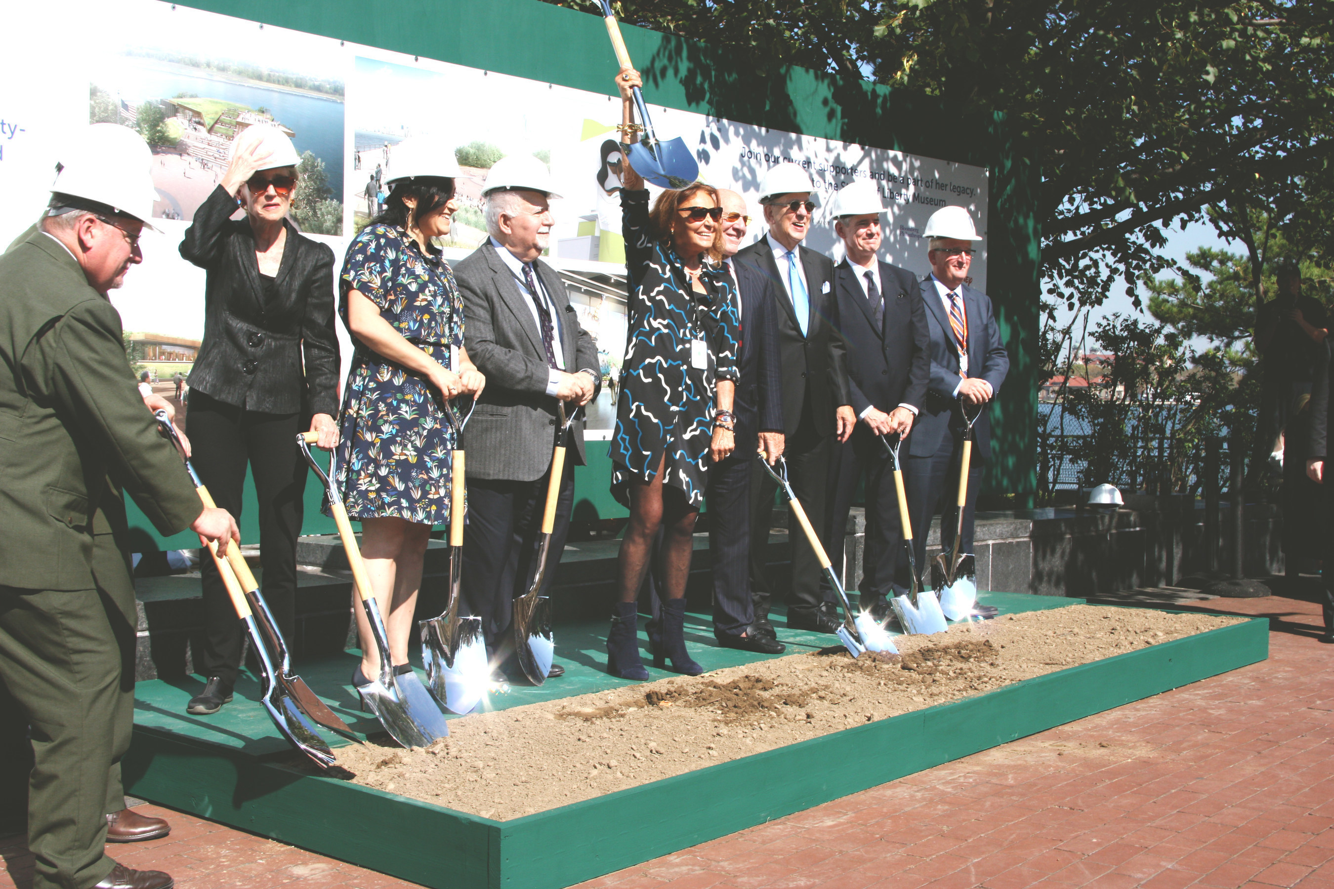 Doug Phelps, president of Phelps Construction Group, joined Diane von Furstenberg and members of the Statue of Liberty-Ellis Island Foundation, Inc. in a groundbreaking ceremony on Thursday, October 6 for the new 26,000 square foot Statue of Liberty Museum on Liberty Island in the New York Harbor.