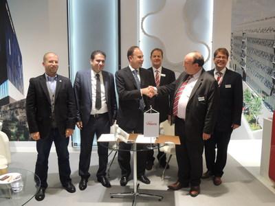 Alico/ORASCOM and Aleris concluding GEM contract during BATIMAT exhibition
