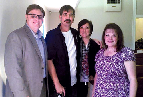 L to R: Pastor Joey Galloway, Total Artificial Heart recipient Jeremiah Kliesing, his wife Jennifer Kliesing and Total Artificial Heart recipient Shawn Galloway attend church together. Jeremiah and Shawn were both bridged to transplant with the SynCardia Total Artificial Heart at Texas Heart Institute. Jeremiah received his heart and kidney transplant on Nov. 11, 2011, and Shawn received her heart transplant on Sept. 20, 2011.  (PRNewsFoto/SynCardia Systems, Inc.)