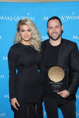 Grammy(R)-nominated singer Tori Kelly presented the Humanitarian Award to entertainment industry power broker and multimedia entrepreneur Scooter Braun. Scooter has granted hundreds of wishes for Make-A-Wish through his talent roster that includes Kelly, Justin Bieber and Ariana Grande, among others. Photo Credit: Craig T. Mathew and Greg Grudt/Mathew Imaging