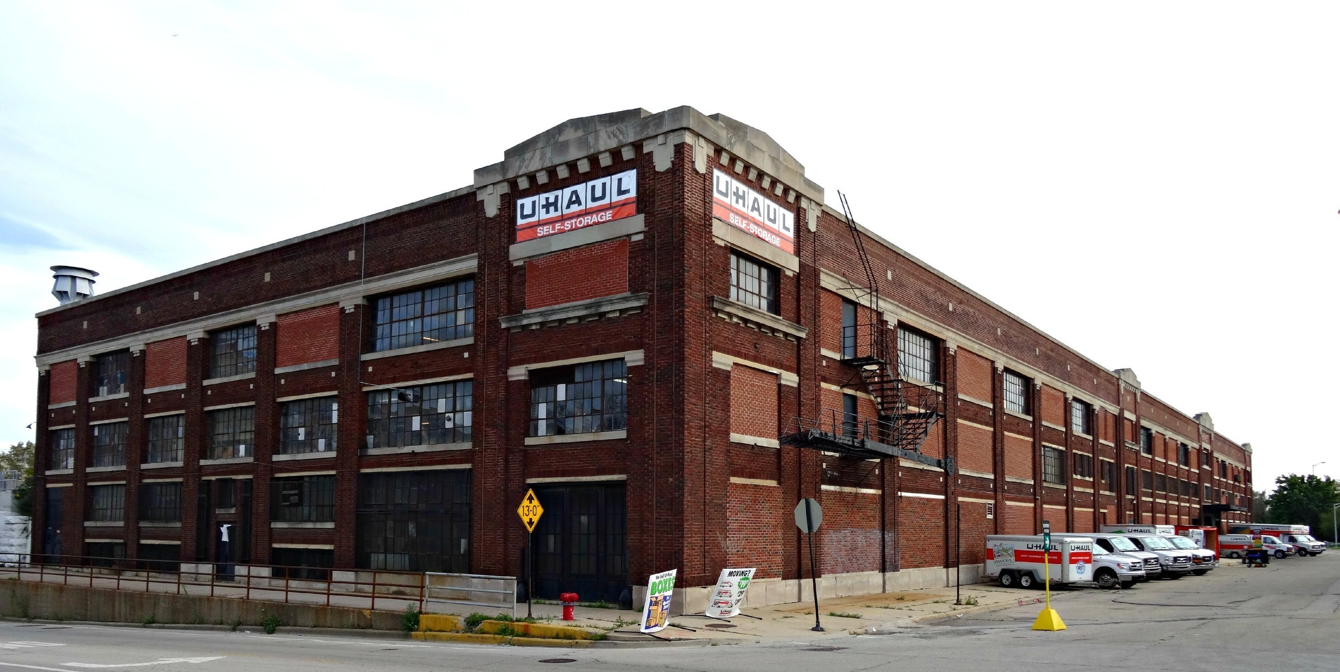 U-Haul Delivers on Need for Moving and Self-Storage in Chicago with Opening of New Facility