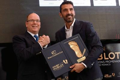 Gianluigi Buffon is awarded of the 2016 Golden Foot Hublot by His Serene Highness Prince Albert II of Monaco (PRNewsFoto/HUBLOT)