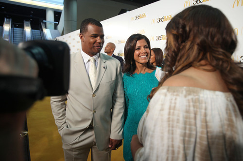 Chicago White Sox Executive Vice President and McDonald's(R)  365Black(R)  Award recipient Kenny Williams, along with CNN Anchor Zoraida Sambolin, talked with actress/comedienne Kym Whitley on the golden carpet. The 10th annual ceremony, held at the New Orleans Theater, took place on July 6. The McDonald's 365Black Awards are given annually to salute outstanding individuals who are committed to making positive contributions that strengthen the African-American community.  (PRNewsFoto/McDonald's USA, LLC)