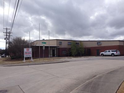 U-Haul Reuses Former Dr Pepper Bottling Plant to Better Serve the Lafayette Community.  (PRNewsFoto/U-Haul)