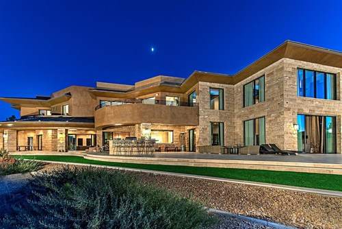 Las vegas luxury home market on the move for Luxury house for sale in las vegas