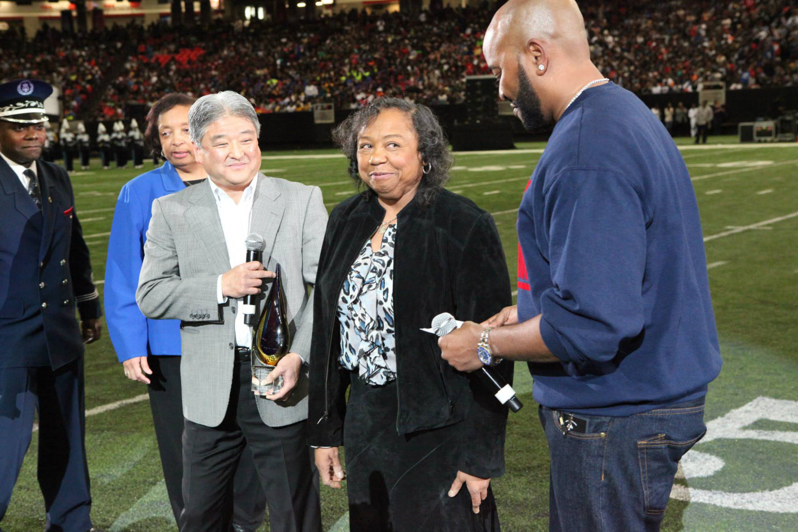 Ms. Audrey Stradford was named the first-ever Honda Power of Dreams Award honoree for her lifelong dedication to serving HBCU students and the Tennessee State University community, and was awarded a brand new 2015 Honda CRV at the 13th annual Honda Battle of the Bands Invitational Showcase on Jan. 24, 2015.