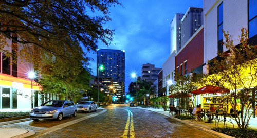Evolucia Lighting Brightens-up Tampa's Franklin St. Restaurant District in Time for the Republican