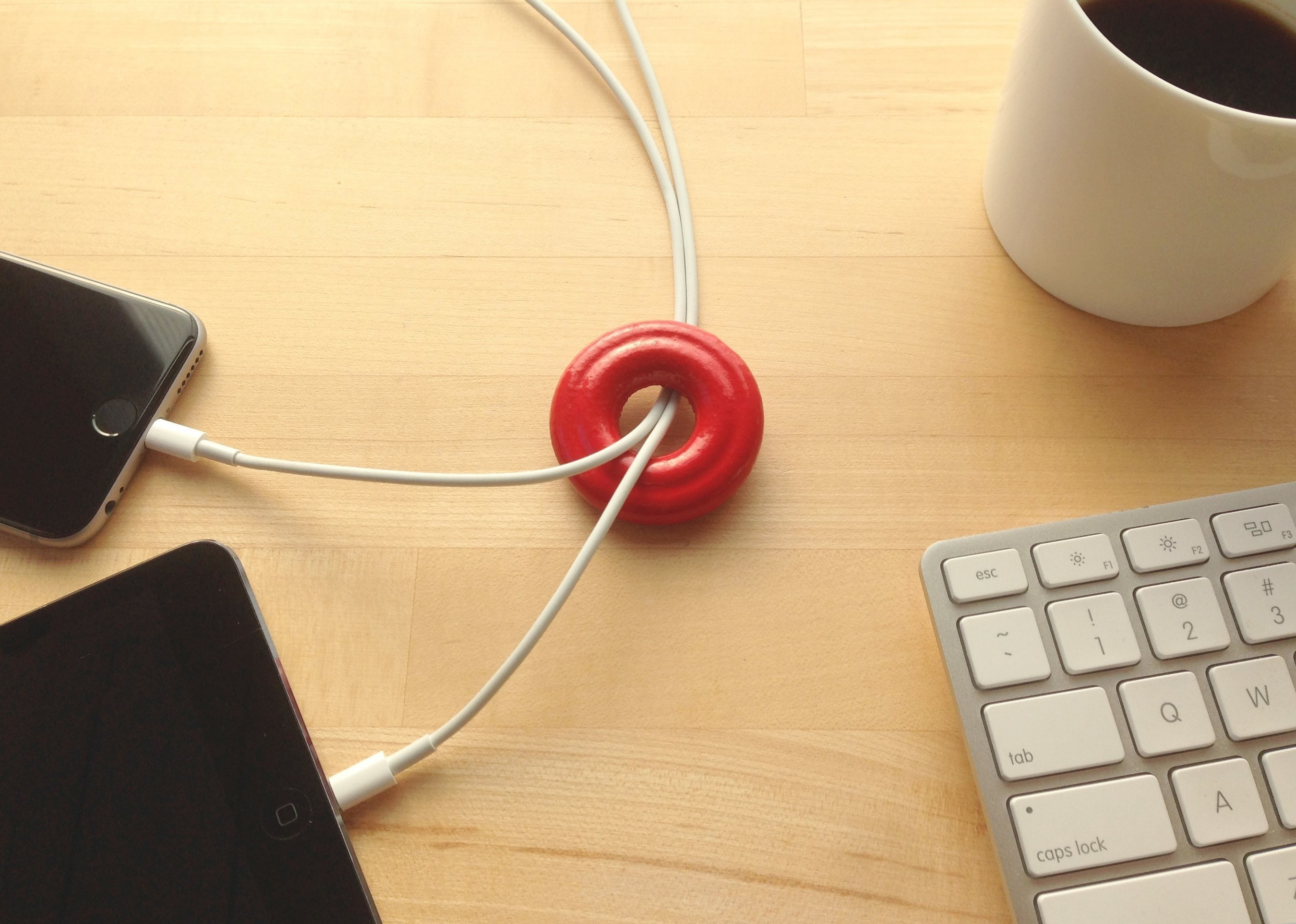 Onehundred Launches 'Bagl: a pocketable cable hub' on Kickstarter