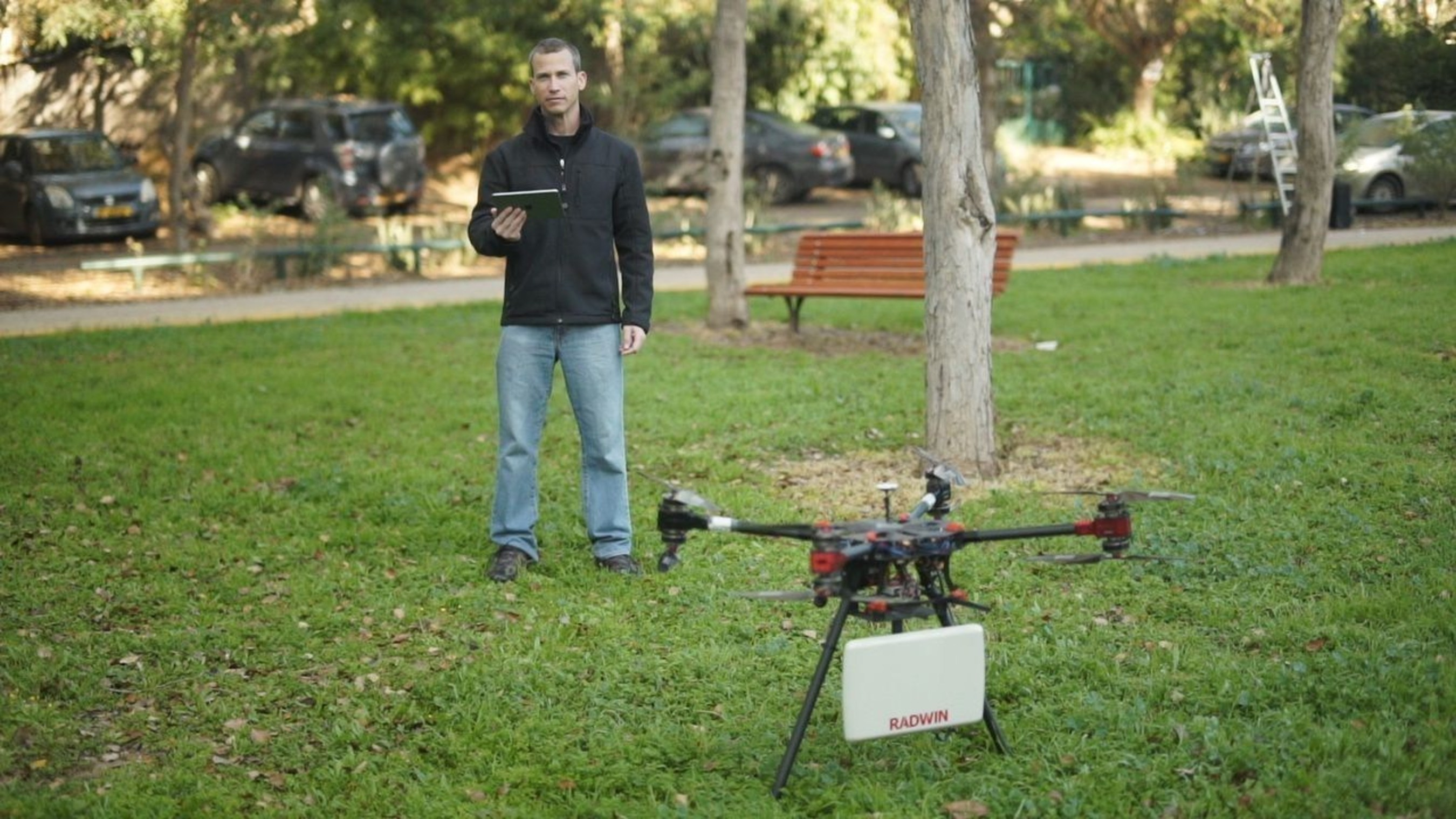 RADWIN Unveils the World's First Drone with Smart Beam