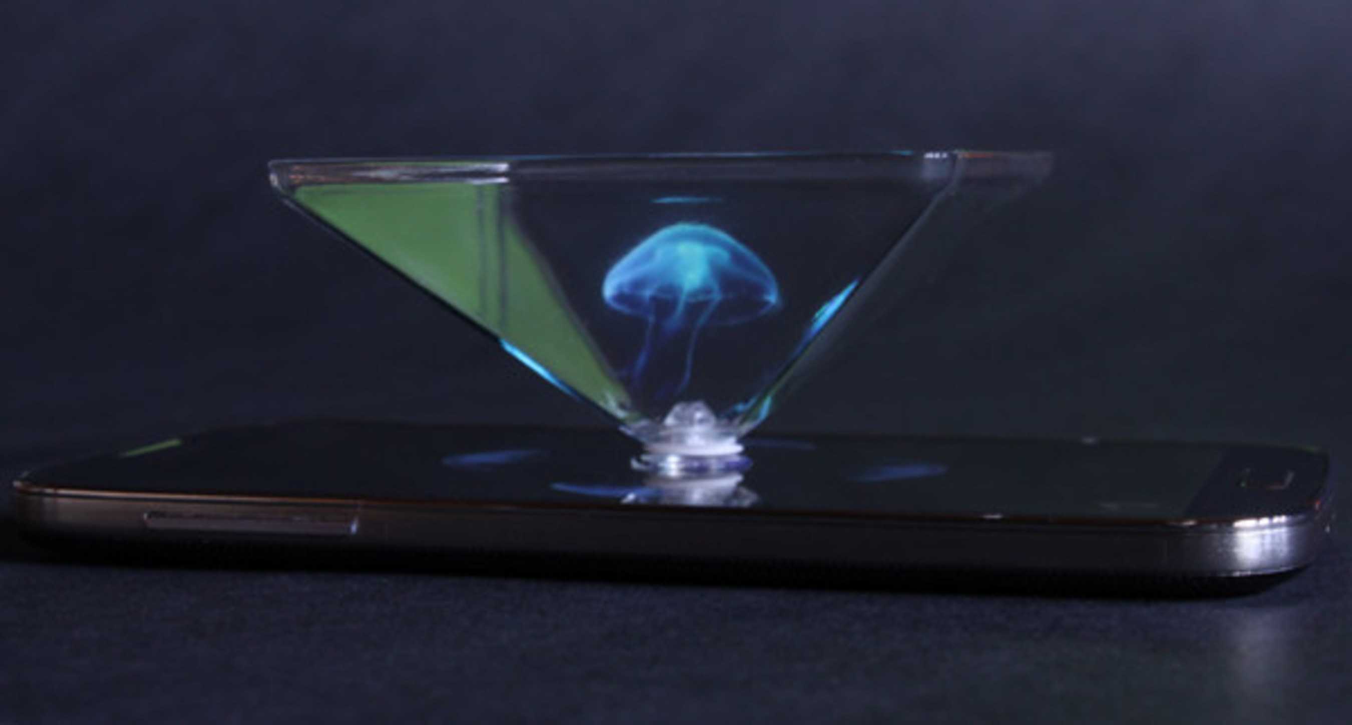 Holographic-Like Projection Now Possible via Smartphone