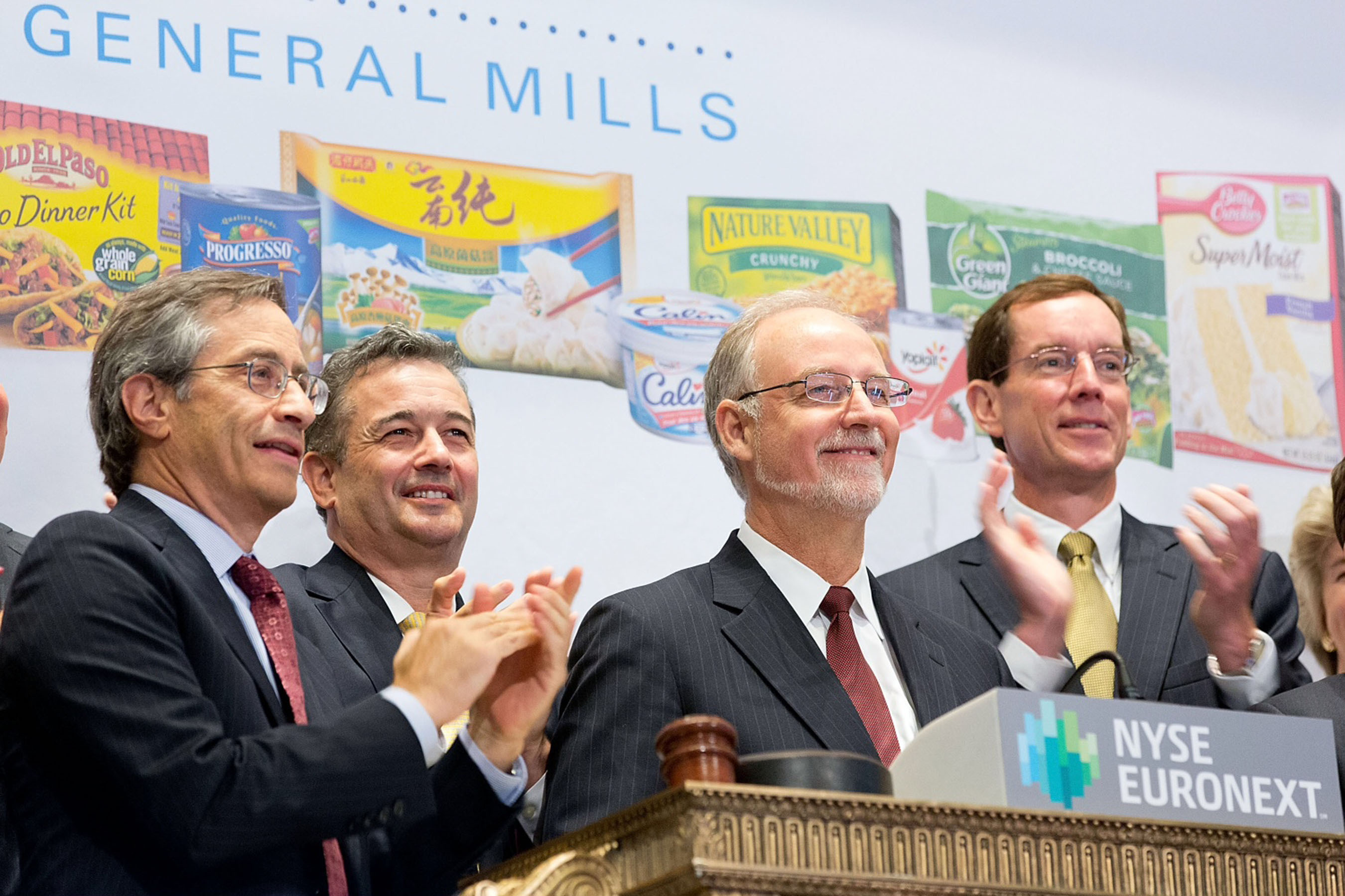 General Mills executives detailed the company's fiscal 2014 growth and innovation plans at its annual investor day at the New York Stock Exchange after ringing the opening bell today.  Pictured from left:  Larry Leibowitz, COO, New York Stock Exchange;  Chris O'Leary, EVP, COO, International, General Mills; Ken Powell, Chairman & CEO, General Mills; and Don Mulligan, EVP, CFO, General Mills.  (PRNewsFoto/General Mills, NYSE Euronext)