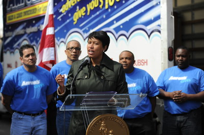 Aaron's, Inc., in partnership with Washington, D.C. Mayor Muriel Bowser, donated furniture to 28 families who have experienced homelessness. This donation kicks off Aaron's National Managers Meeting where 2,000 managers are joining forces with local organizations in Washington D.C. to give back.