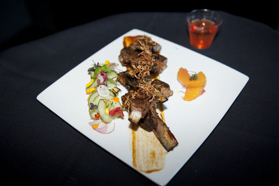 San Francisco's Chef Vernon Morales, of Salt House, won Best in Show for his Vadouvan spiced lamb riblets made with tamarind BBQ sauce, white peach chutney, lemon cucumber and radish raita.  (PRNewsFoto/American Lamb Board)