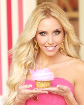 Former Cupcake Wars Winner, Casey's Cupcakes, invites you to the grand opening of their 5th location this Saturday, April 6th from 6:00-8:00 PM at the Irvine Spectrum Center.  (PRNewsFoto/Casey's Cupcakes)