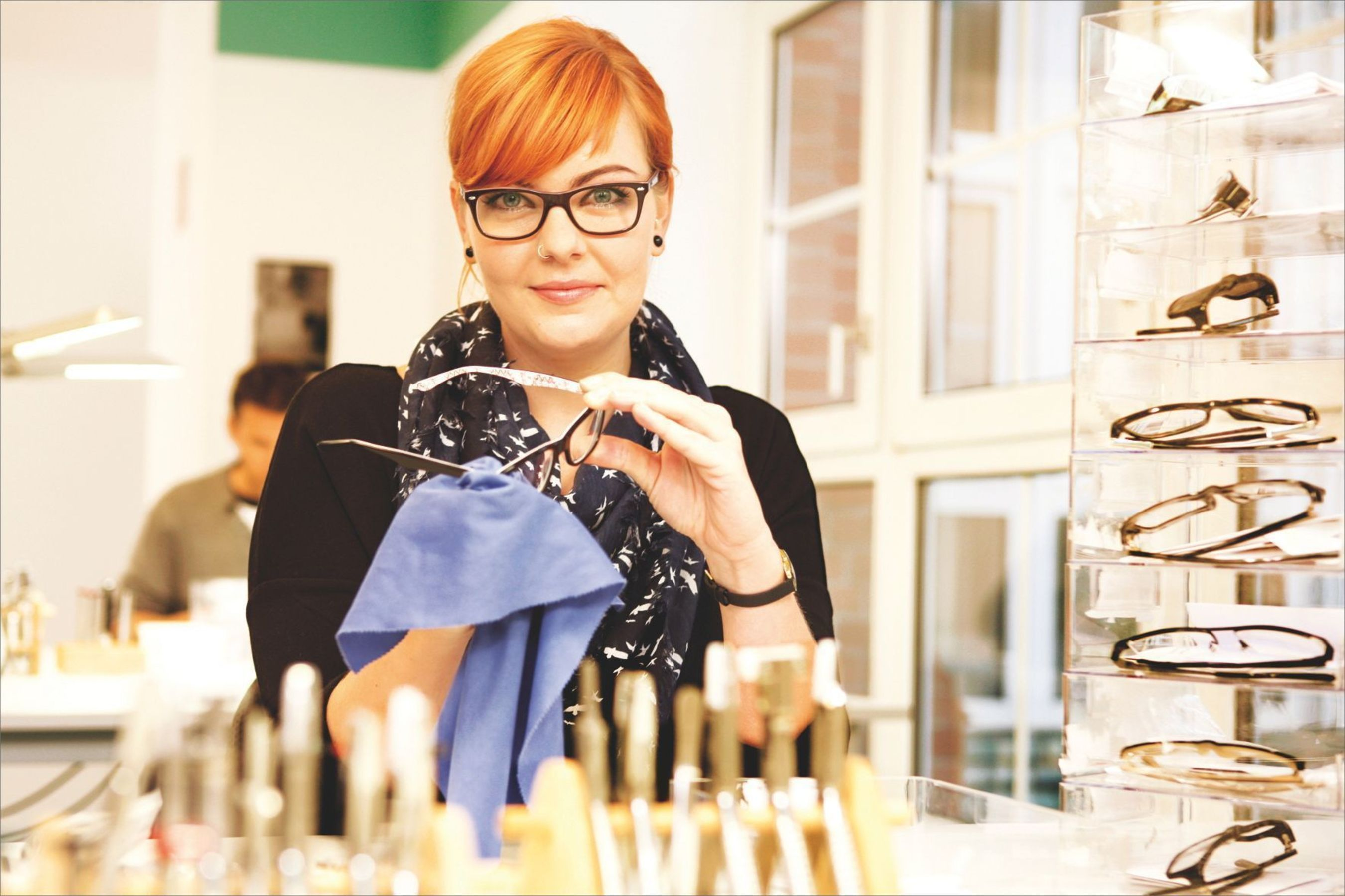 Mister Spex: Adjustment and polishing of glasses in the own opticians workshop (Copyright: Mister Spex) / Europe's leading online optician strengthens market position: Mister Spex receives 40 Million USD / US bank Goldman Sachs leads financing round (PRNewsFoto/Mister Spex GmbH)