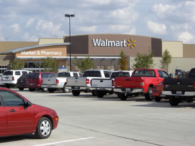 Northline Commons Kicks Off Houston's Holiday Shopping Season With the Grand Opening of Walmart Wednesday, 10.27, at 7:30 a.m. (PRNewsFoto/Berenson Associates, Inc.)
