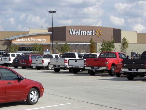 Northline Commons Kicks Off Houston's Holiday Shopping Season With the Grand Opening of Walmart