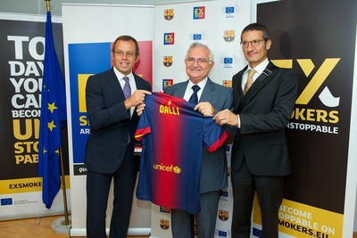FC Barcelona And The European Commission Join Forces To Help Millions Of Europeans Quit Smoking : Left to Right: FC Barcelona President, Sandro Rosell, John Dalli, European Commissioner for Health and Consumers, Dr. Jordi Monés, the director responsible for Barça's medical area