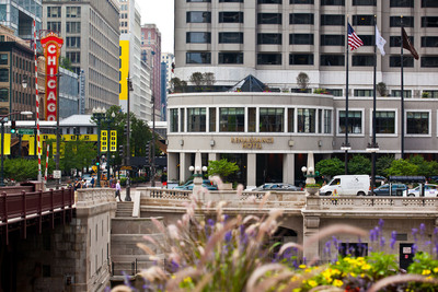 Carey Watermark Investors acquires the Renaissance Chicago Downtown Hotel for $139 million, adding top market to portfolio. The 553-room full-service hotel is located at 1 West Wacker Drive across from the Chicago River in downtown Chicago. (PRNewsFoto/Carey Watermark Investors Incorporated) (PRNewsFoto/CAREY WATERMARK INVESTORS INC...)