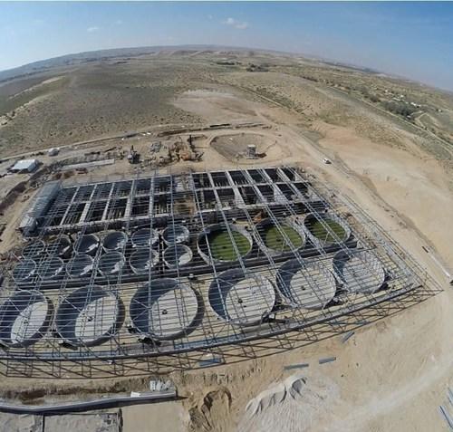 Sea bream Indoor Aquaculture project in the desert by Aqua Maof (PRNewsFoto/Aqua Maof Group)