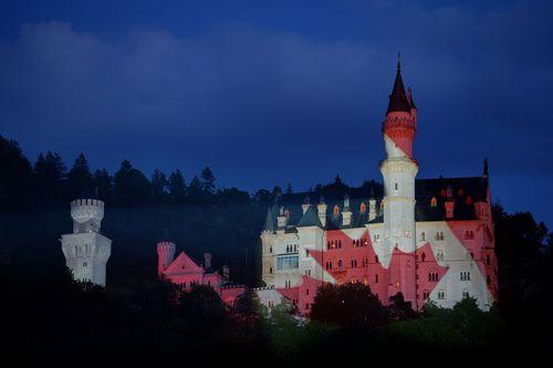 The Free State of Bavaria welcomes Prime Minister Stephen Harper to the G7 summit by illuminating the Maple Leaf on the front of Neuschwanstein Castle. (PRNewsFoto/Bayerische Staatskanzlei)